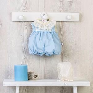Dukketøj (36 cm.) - lyseblå buksedragt med blondekrave og kyse
